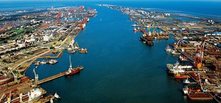 天津港の光景