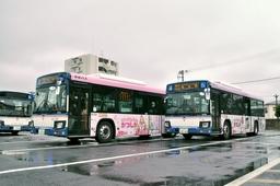 「リカちゃん」ラッピングバス