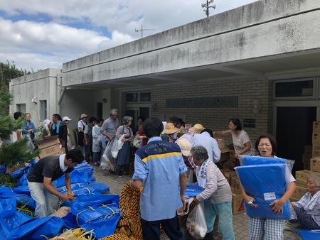 台風15号被災地域へ緊急支援物資のボランティア運搬を開始