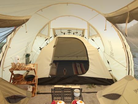 大型テントやシェルターと併用するカンガルースタイル専用のコットンテント「カンガルーテント」を発売。