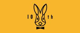 ブランド創設10周年を記念して、ちょっとおめかししたウサギの特別ロゴ。