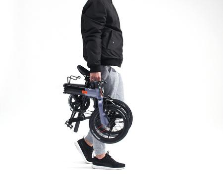 片手で運べる14インチ折りたたみ自転車「140-H HakoVelo hyperdrive(ハコベロ ハイパードライブ)」発売。