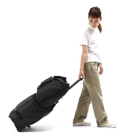キャリーとして引っ張る際、アウターバッグはスーツケースの引き手に連結できます。