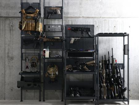 ハンドガン・ライフル、装備のディスプレイ収納ラック発売。