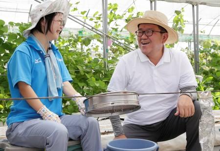 「わーくはぴねす農園」関西エリアに初進出 11月18日に枚方市と障がい者の就労充実に関する連携協定を締結