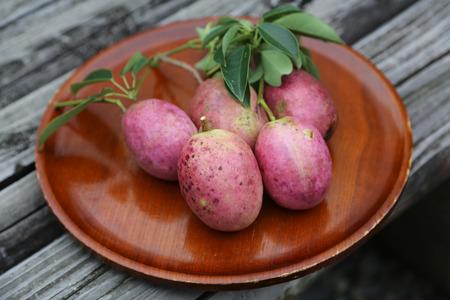 天智天皇が名付けた 不老長寿の果実「ムべ」が旬を迎える 10月18日に令和最初の皇室献上
