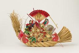 民俗資料室ギャラリー展示 28 「紙・木・藁にみる祈りの造形」を10月26日から開催