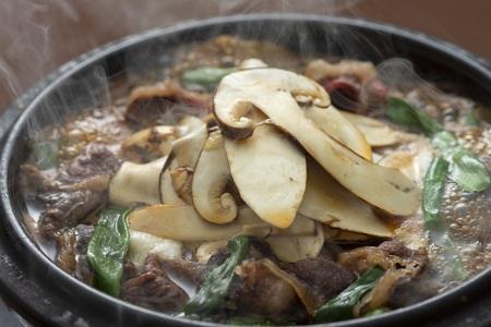 松茸三昧会席 松茸とろろすき焼き鍋