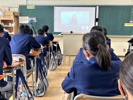 「伝える力」をテーマにした中学生向け出張授業、参加校の募集を開始