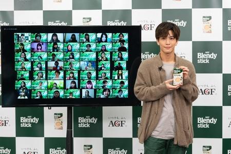 岩田剛典さん《「ブレンディ®」スティック》新TVCM公開イベントに登場!