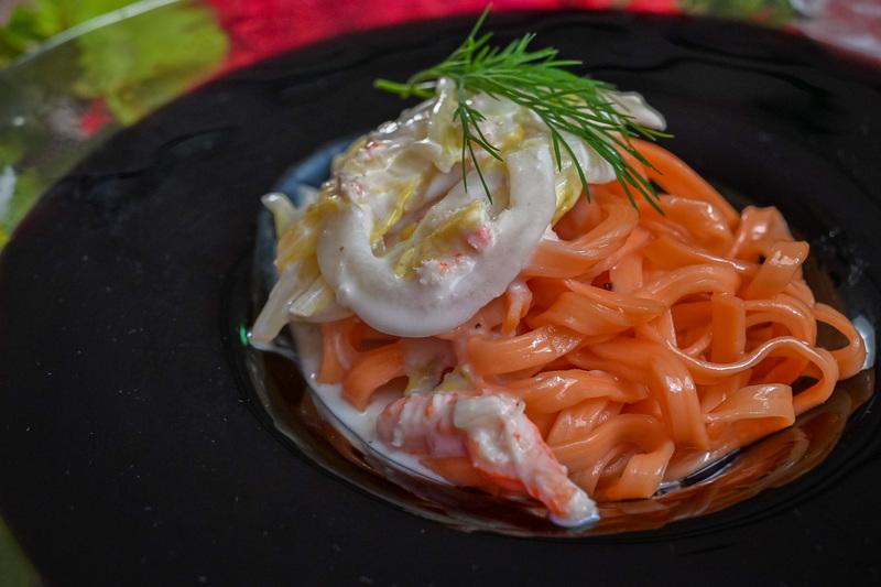 出来たてパスタ 桜色のツナと白菜のクリームソース