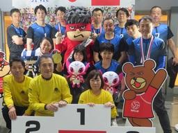 PGF生命、「日本シッティングバレーボール選手権大会」に協賛、選手として社員も参加