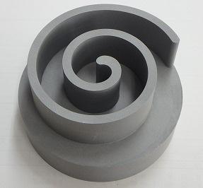 鉄の強度でアルミの軽さ実現の複合素材、新たに2種類の成型技術で特許を取得