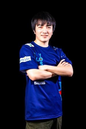 OMOCHI選手
