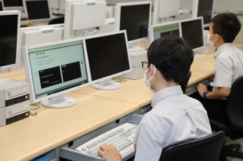 Pythonのオンラインプログラミング学習サービス「Laibra」 学校向け導入開始